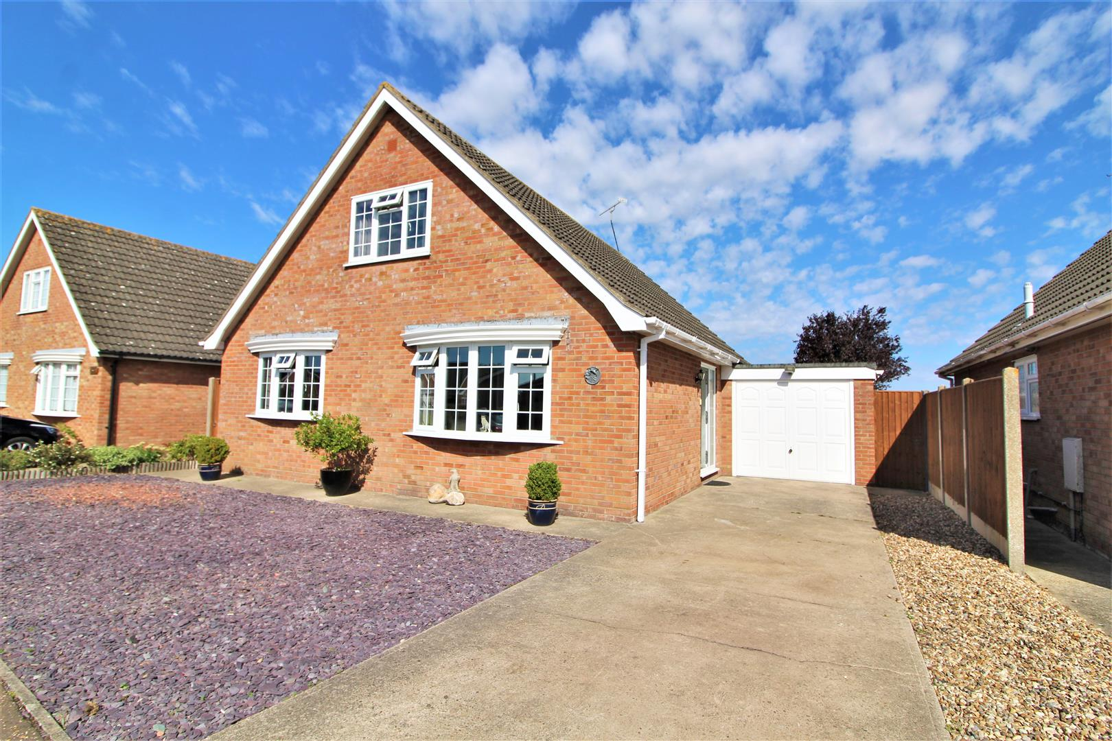 Laxton Grove, Great Holland, Essex, CO13 0SF